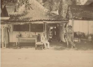 Rumah di Jawa tahun 1800-an, Dinding bambu dan jobin tanah (Koleksi: www.kitlv.nl)